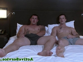 Military hunk sans a condom assfucking with huge dick stud