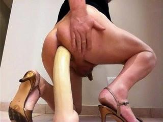 Muy voraz penetracion assfuck con dildo gigante plaything giant extreme
