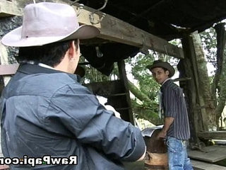 Latino homo Cowboys Barebacking