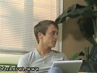 Porno gay gratis homoemo This episode comstudsces with some serious lad